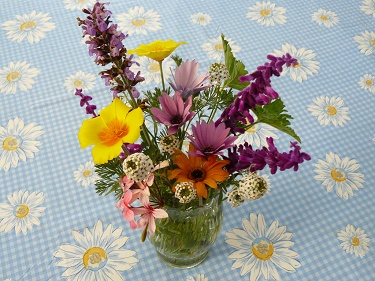 Floral Arrangement Ideas - The Florist Guide | Floristry courses ...